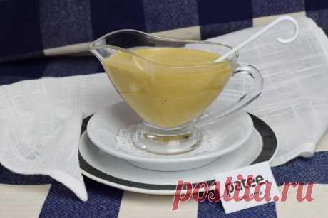 Соус Цезарь готовится к одноименному салату. Существует несколько вариантов приготовления соуса, предлагаем приготовить соус по классическому рецепту. Этот соус подойдет и к салату Цезарь с куриным филе, и к салату с креветками.