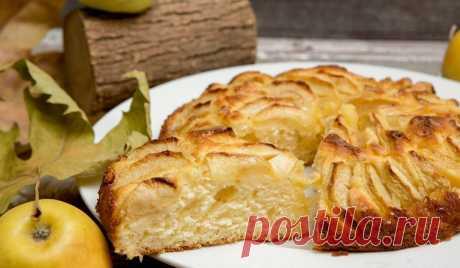 """Новое блюдо вместо надоевшей шарлотки: готовим дома яблочный пирог """"Пышный"""""""