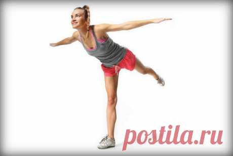 Упражнение «Ласточка» — на баланс и укрепление мышц спины и ног