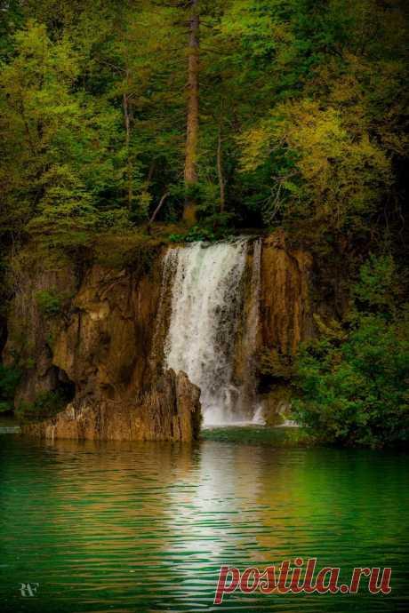 Secret Little Spot b nature love - Waterfalls Love