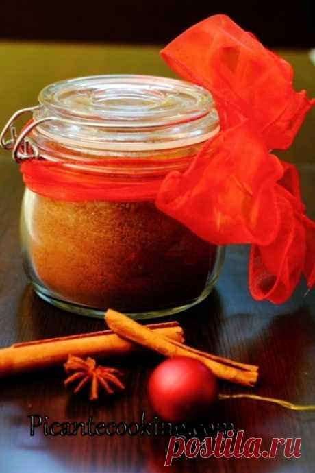Пряничный сахар Это сахар, который пахнет рождественскими пряниками. Придаст праздничный дух любой выпечке, кофе и даже чаю.