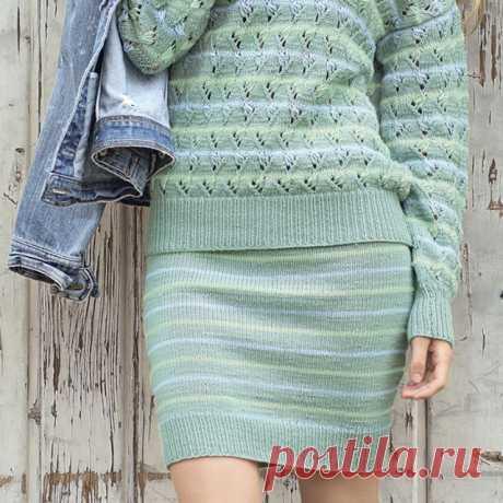 Кашемировый джемпер и юбка в полоску спицами – схемы вязания с описанием