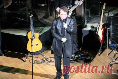 Концерт Рафаэля в Москве - 10 апреля 2019 года - P1097456 | Sovetika.ru - фото-блог