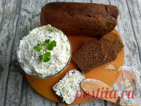 Творог с огурцом. Нежная летняя закуска на завтрак для бутербродов! Творог с огурцом - вкусный полезный завтрак. Рецепт прост, а закуска украсит любой стол. Удобно намазывать на хлебцы и делать перекус. Пошаговый рецепт
