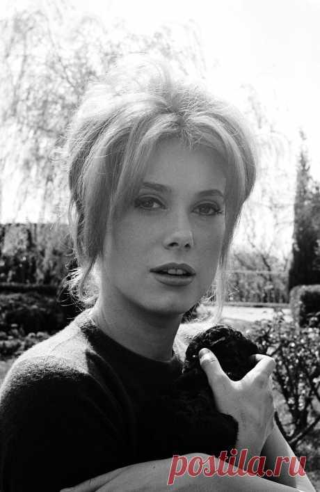 Catherine Deneuve, 1962, photo by Henri Bureau