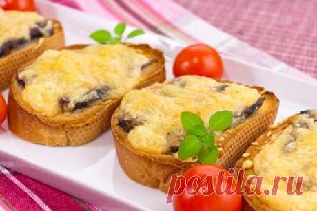 Горячие бутерброды со шпротами и сыром — Sloosh – кулинарные рецепты