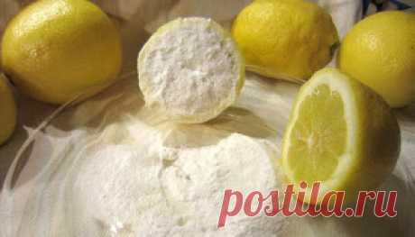 Это не шутка!! Половина лимона погруженного в пищевую соду. Это невероятно, что можно сделать для вашего тела всего за 5 минут! Вы знаете, что происходит, когда лимон употребляется с содой, получается, что комбинация обоих, очень эффективно уменьшает раковые клетки, что они могут даже исчезнуть. Итак, сегодня мы расскажем вам, как вы можете воспользоваться их преимуществами в невероятном напитке.  С помощью этого напитка