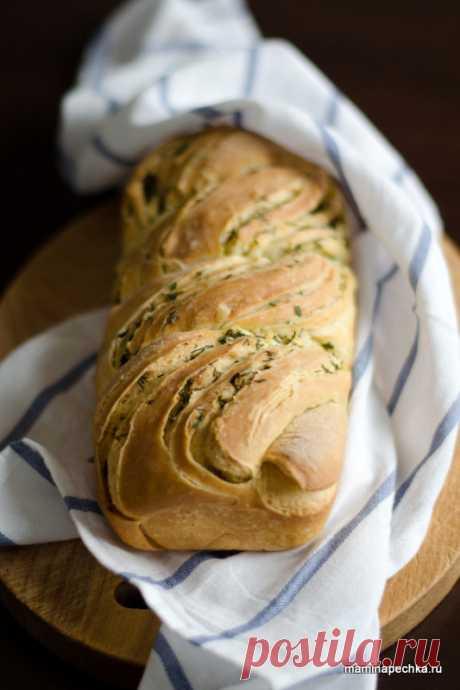 Кранц — хлеб с чесноком и зеленью Кранц — это особый способ формирования выпечки с начинкой, распространённый в некоторых странах Европы — тесто с начинкой сворачивают рулетом и разрезают вдоль на две части, затем переплетают их между собой...