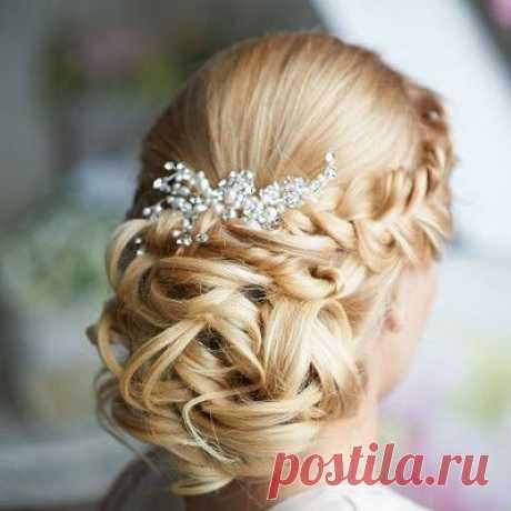 Обзор свадебных причесок с убранными волосами | DiscoverWedding.ru