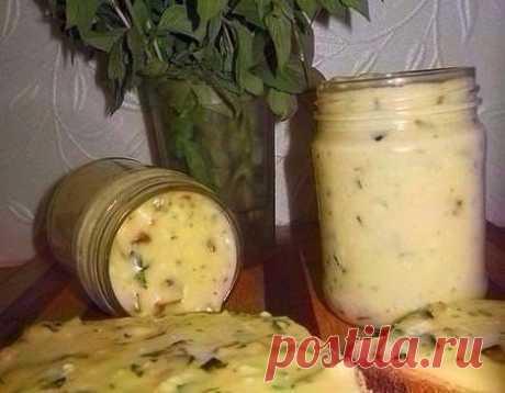 Домашний плавленый сыр с шампиньонами - нереальная вкуснятина!   Ингредиенты:  500 гр творога (домашний творог) 2 яйца 2-3 ст.л сметаны (домашняя) соль по вкусу (примерно 1 ч.л без горки) 1 ч.л соды (не полная без горки) петрушка 5 веточек (можно укроп) (мелко по…