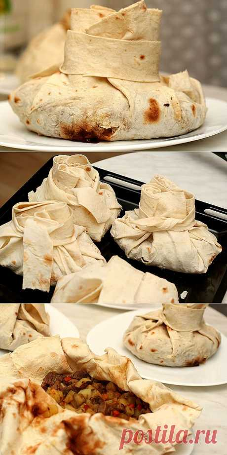 La receta muy interesante de la carne en armenio lavashe. ¡Hermosamente y es sabroso!