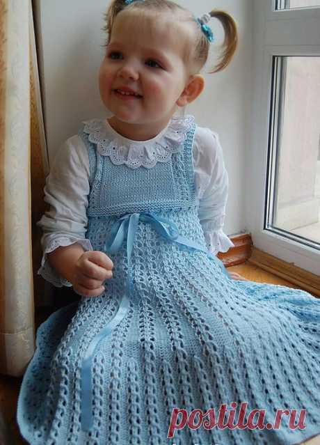 Вязаные платья для девочки спицами