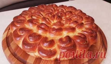 Пирог «Хризантема» из дрожжевого теста с красивой подачей