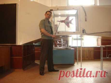 Сегодня вся страна празднует 1 Мая... Желаю не МАЯться, а интенсивно отдыхать, и плодотворно трудиться!!! А также сегодня день рождения Иркутского Высшего Военного Авиационного Инженерного Училища... было бы...