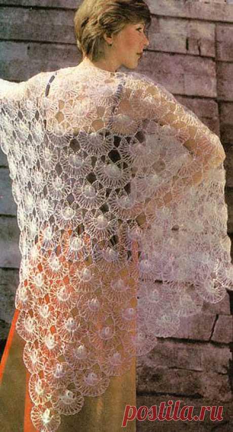 Треугольная шаль, связанная крючком на вилке/Шали. Палантины. Платки. Пончо. Накидки. Пелерины./Вязание/Статьи / Шитье, вязание, рукоделие, бисероплетение
