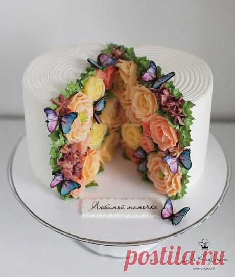 "HandMade posted on Instagram: ""@yulia.kedyarova - Вдохновение. . . . . . . #тортназаказ #cake #cakedesign #cakedecoration…"" • See all of @shkatulka.idei's photos and videos on their profile."