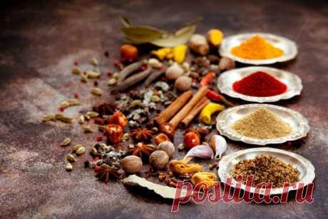 6 самых полезных специй Пряности мы добавляем для вкуса, но не всегда задумываемся о том, что в маленькой щепотке острого перца может таиться огромное количество витаминов, минералов, антиоксидантов, которые благотворно влияют на здоровье.