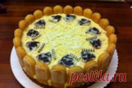 Торт с клубникой и белым шоколадом (без выпечки)