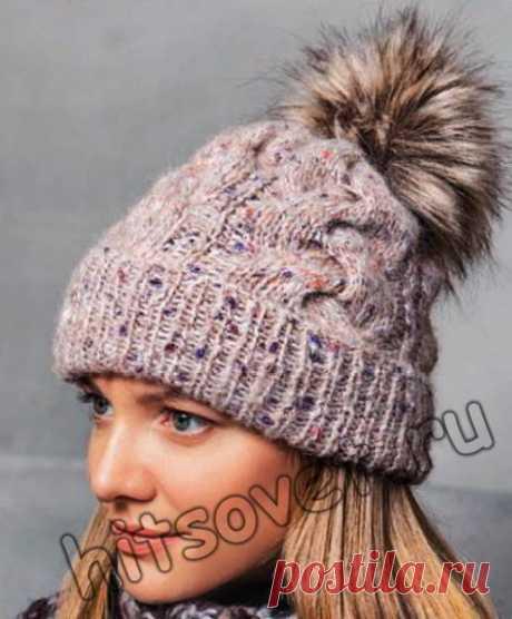 Модная шапка с косами - Хитсовет Вязание спицами для женщин модной шапки с косами со схемой и пошаговым бесплатным описанием. Обхват головы: 54-56 см. Вам потребуется: 100 грамм бежевой меланжевой (цвет 1) пряжи Lala Berlin Fluffy Lana Grossa, состоящей из 42% шерсти, 18% мохера, 19% альпака, 21% полиамида, длиной нити175 метров в 50 граммах; набор чулочных спиц № 5,5, 1 спица …