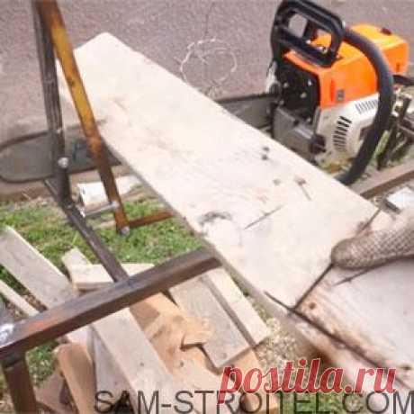 Станина для бензопилы своими руками (28 фото + описание) Самодельная станина для бензопилы своими руками. Всем привет! Вот решил сделать станину для бензопилы из подручных материалов. С помощью такого станка, удобно распиливать древесину на дрова.