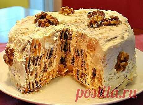 """Торт """"Трухлявый пень"""" на сметане с сухофруктами."""