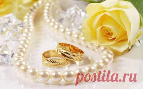 Обручальное кольцо – хранитель семейного очага  (приметы и суеверия)