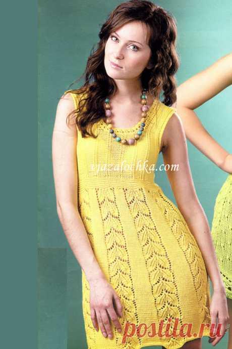 Летнее платье с ажурными узорами спицами