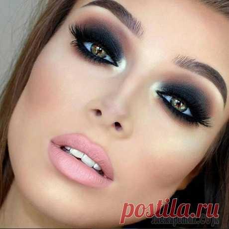 7 ошибок в макияже, которые зрительно уменьшают глаза Делая по утрам макияж, каждая дама старается зрительно максимально увеличить размер глаз. Кто-то достигает этого с успехом, а у некоторых происходит обратная картина. Все дело в том, что необходимо з...