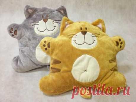 Выкройка интерьерной подушки - игрушки Весёлый котёнок