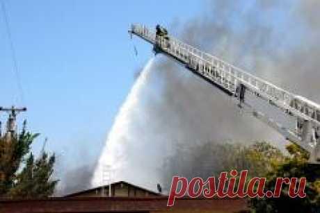 Сегодня 08 апреля в 1766 году Запатентована первая пожарная лестница