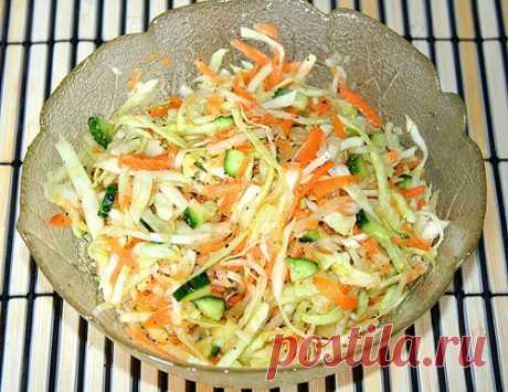 Японские салаты для любого случая, лучшие рецепты Традиционный японский рецепт всегда состоит из разных овощных культур. Это томаты, баклажаны, сельдерей, огурцы, морковь, множество сортов капусты и лука.