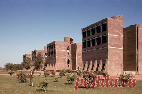 plans to demolish louis kahn-designed dorms in india spark global outcry