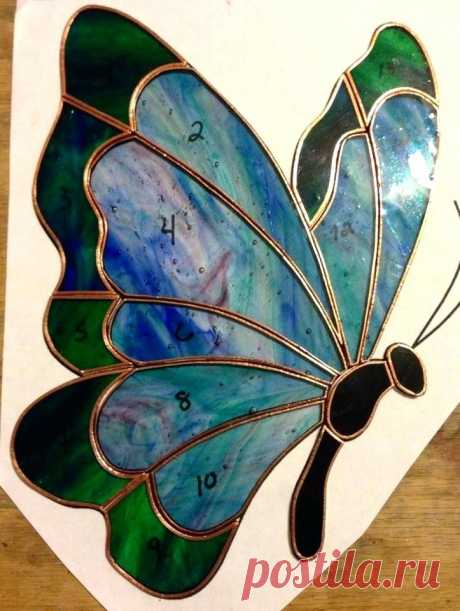 made-to-order-butterfly-stained-glass-sun-catcher-on-the-pattern.jpg (723×960)