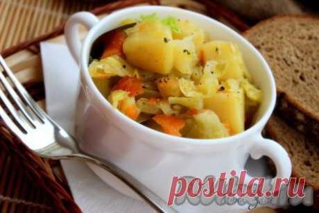 Овощное рагу с курицей в мультиварке - рецепт с фото Для любителей овощей хочу предложить рецепт простого, полезного и очень вкусного блюда. Овощное рагу с курицей, приготовленное в мультиварке, прекрасно разнообразит ваше повседневное меню и станет полноценным обедом или ужином. Овощи можете взять по своему вкусу, добавив к предложенному набору ...