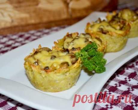 Грибная закуска в картофельных корзинках