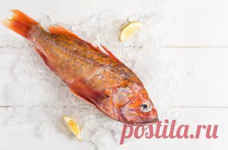 Как разделать и чистить рыбу, как профессионал Если вы находитесь в дикой природе и поймали рыбу, которую вы планируете приготовить у костра или вы дома на кухне, целая рыба делает вкусную и впечат