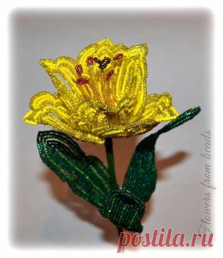Ажурный тюльпан из бисера