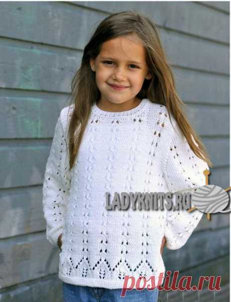Красивый ажурный джемпер спицами девочке от 2 до 10 лет