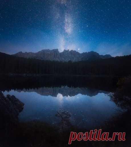 Dolomitova Alpy, Italy. Author of a photo: Sergey Sutkovoy. Good night.