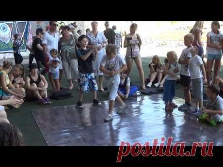 Street dance: Break dance battles kids. Extreme summer-2016 in Sumy - YouTube
