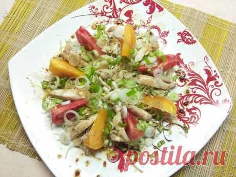 Салат с куриным филе, помидорами и капустой - рецепт с фото пошагово