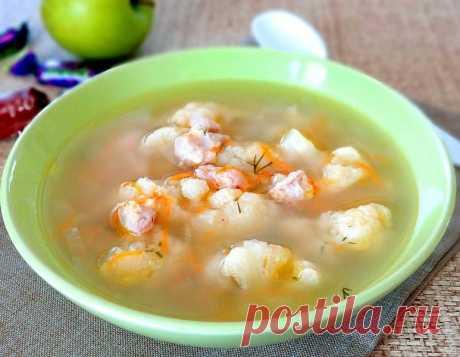 Овощной суп с цветной капустой и мускатным орехом, рецепт с фото и видео Такое кушанье можно приготовить для детей, оно имеет сладковатый вкус и немного похоже на десерт.