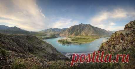 Горный Алтай, место слияния Чуи и Катуни. Автор фото – Александр Бархатов: