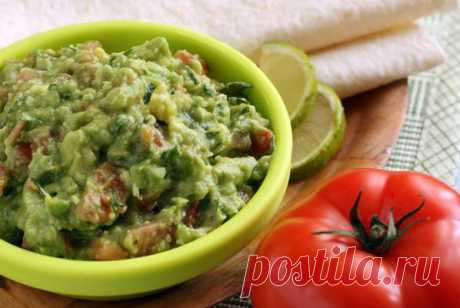 Визитная карточка мексиканской кухни – соус на основе авокадо знаменитый гуакамоле
