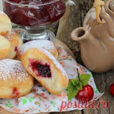 Это просто невероятно вкусо!!!Берлинеры — пончики с джемом