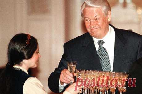 Как пил Ельцин, будучи секретарем обкома КПСС Борис Николаевич Ельцин, со дня смерти которого прошло уже более 13 лет, несомненно знаковая фигура для старой новой страны, с гордым названием Россия. Приложив максимум усилий для того, чтобы, словно
