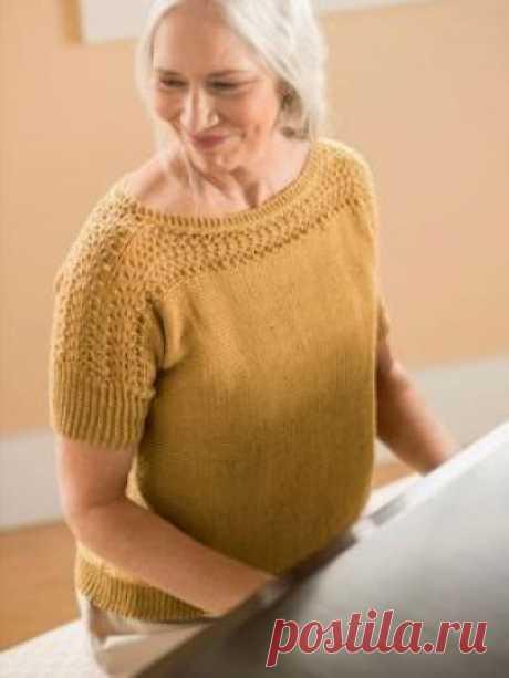 Топ Дайэн Очаровательная модель женского топа, связанного на спицах 3.75 мм из смесовой летней пряжи на основе хлопка. Вязание топа выполняется поперек...