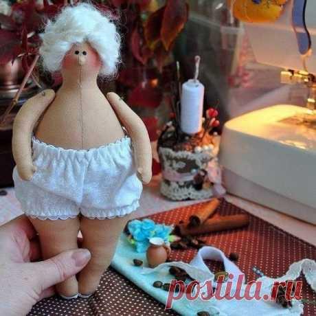 Куклы-толстушки в стиле Тильда. Выкройка.  Автор: Ольга Скопова  #творчество #декор #творю #творческийпроцесс #творческаямастерская #ткани #питер #спб #шитье