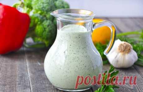 Соус, который прекрасно подойдет как заправка в салат и дополнение к картофелю