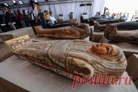 В Египте обнаружили 59 саркофагов с мумиями (фото)